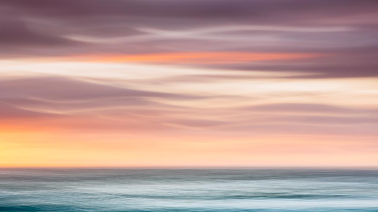 Sunshine Beach motion seascape. Photo by: Dr Andrew Peacock.