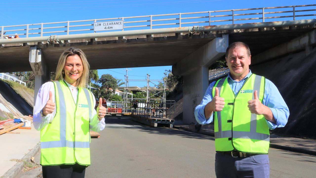 Mayor Clare Stewart and MP Llew O'Brien at the brdge works in Noosa.