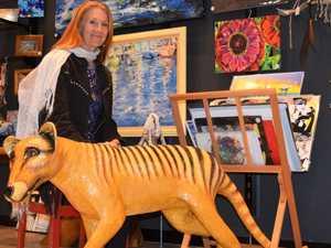 Mackay artist recreates the extinct Tasmanian tiger