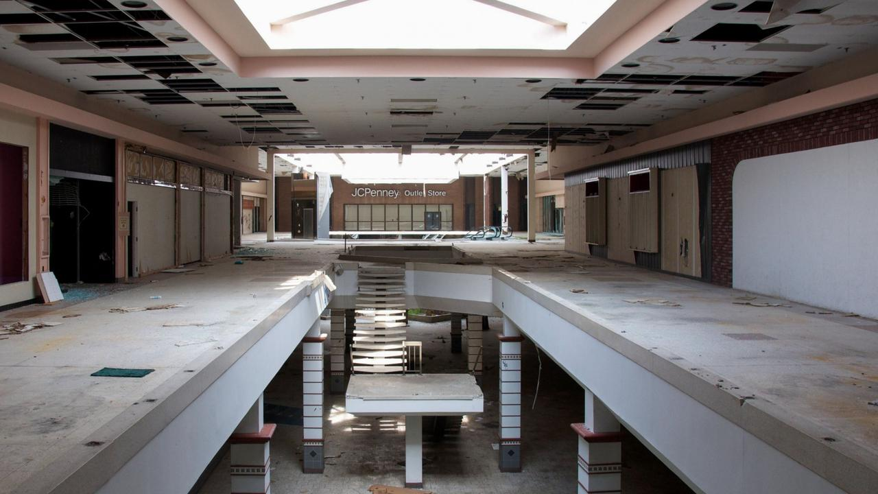 Shops closed amid the pandemic but some may never reopen leading to fears the dead mall phenomenon seen in the US could be in store for Australia.