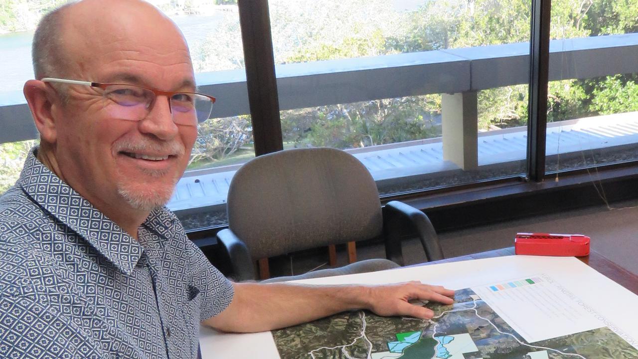 Noosa Council CEO Brett de Chastel