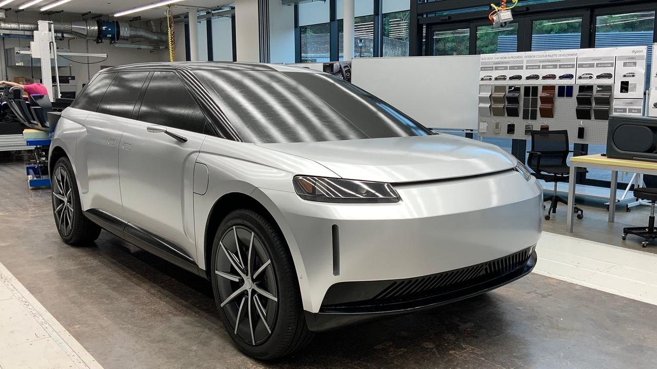 The abandoned electric car shared visual similarities with another British brand's SUV.
