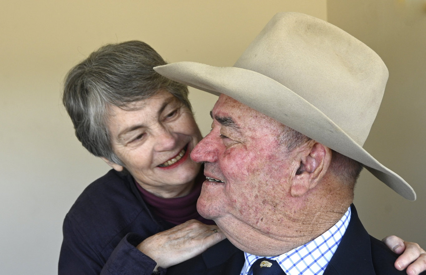 Show announcer Angus Lane OAM with wife Vicki.