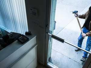 Thief wields hammer during Bucasia break-in