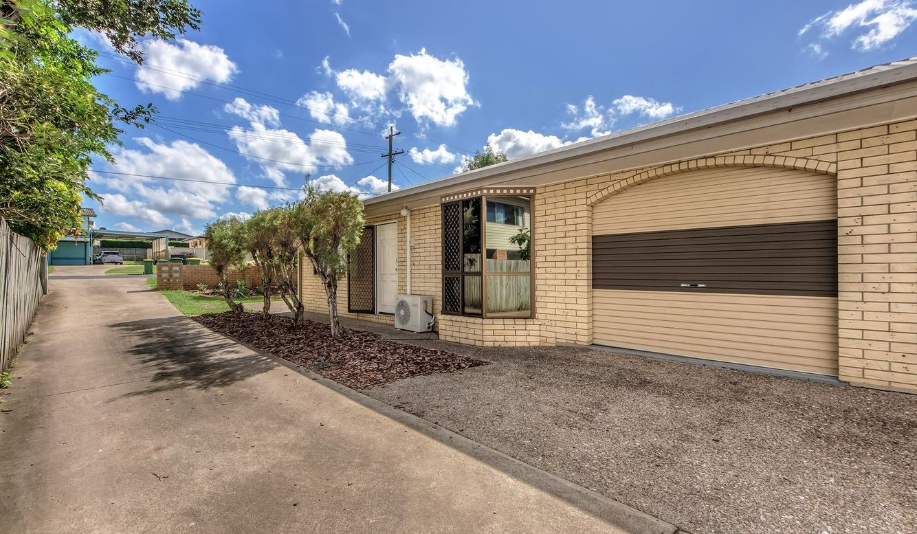 1/103 Moores Pocket Road.