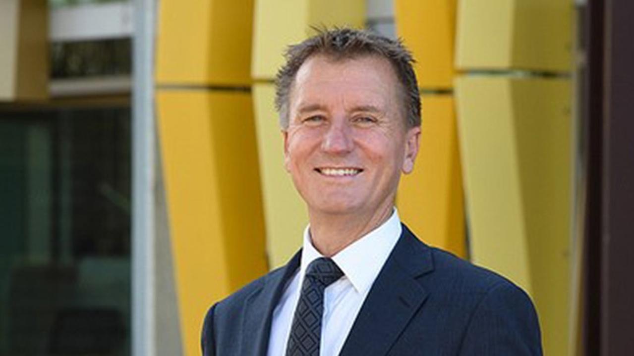 Vice Chancellor Professor Nick Klomp