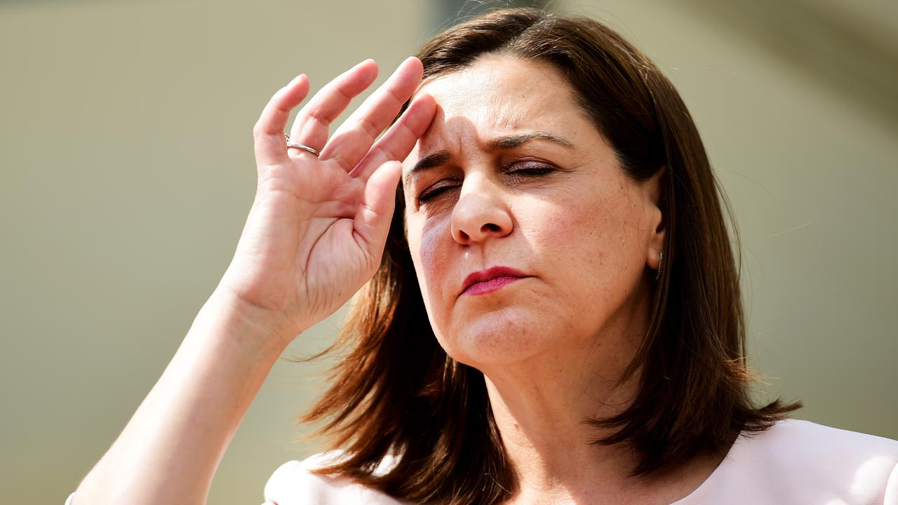 Despite her party leading in the polls, Opposition Leader Deb Frecklington is being dominated in the popularity contest by Premier Annastacia Palaszczuk.
