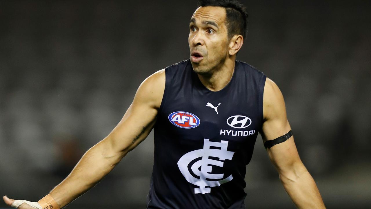 Eddie Betts of the Blues in action.