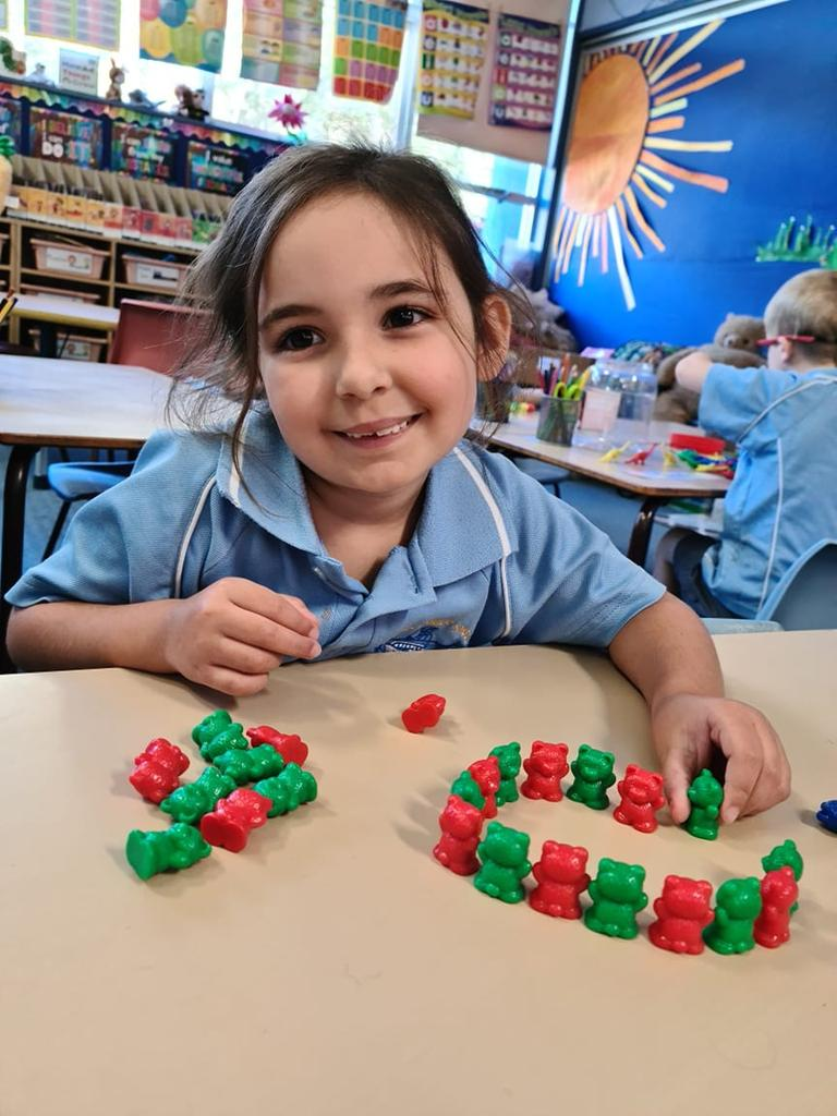 Yamba Public School Kindergarten learn about shapes and patterns.