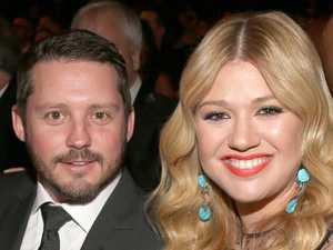 Kelly Clarkson's very complicated divorce