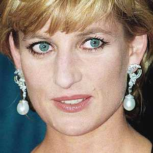 Diana piercing princess 11 Piercings