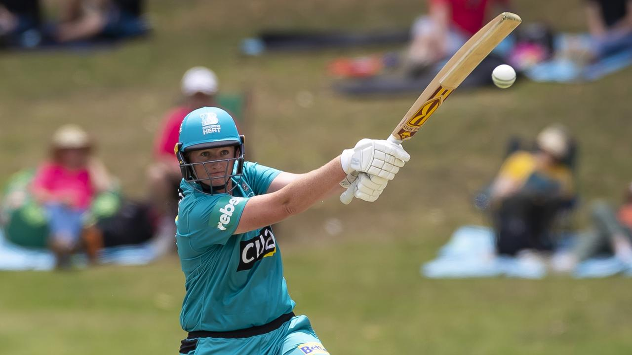 Sammy-Jo Johnson playing for Brisbane in the Women's Big Bash League (WBBL). She will play with the NSW Breakers in the national league next season. Photo Craig Golding.