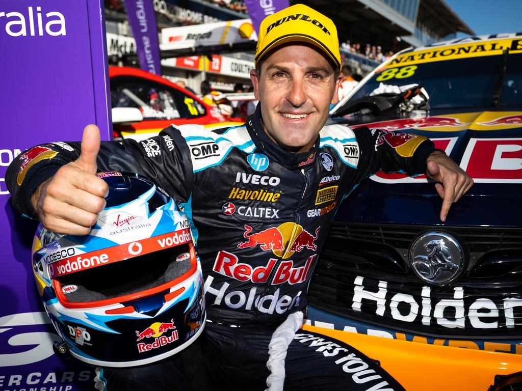 Jamie Whincup gives the restart a thumbs up. (Photo by Daniel Kalisz/Getty Images)