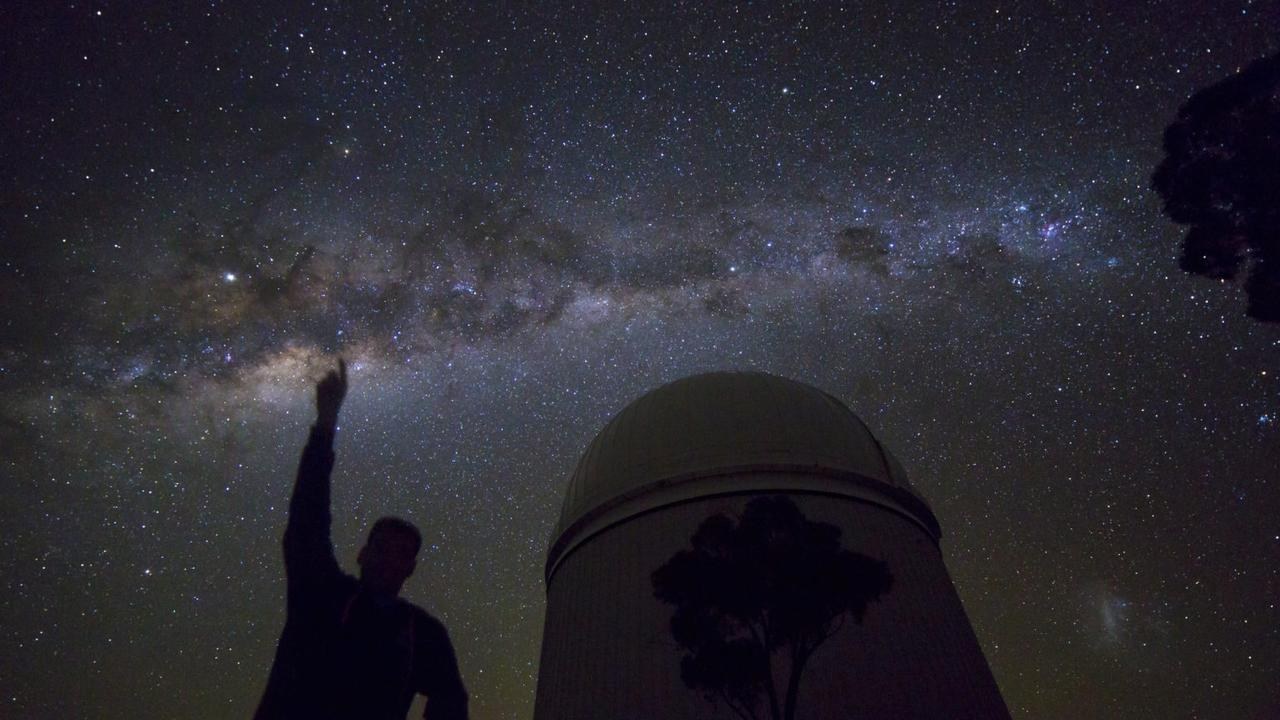 Calling on all citizen scientists to help measure light pollution across Australia tomorrow night (June 21).