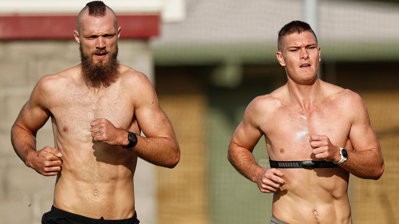 Tomlinson trains with Max Gawn in Rye over the AFL shutdown. Picture: Getty