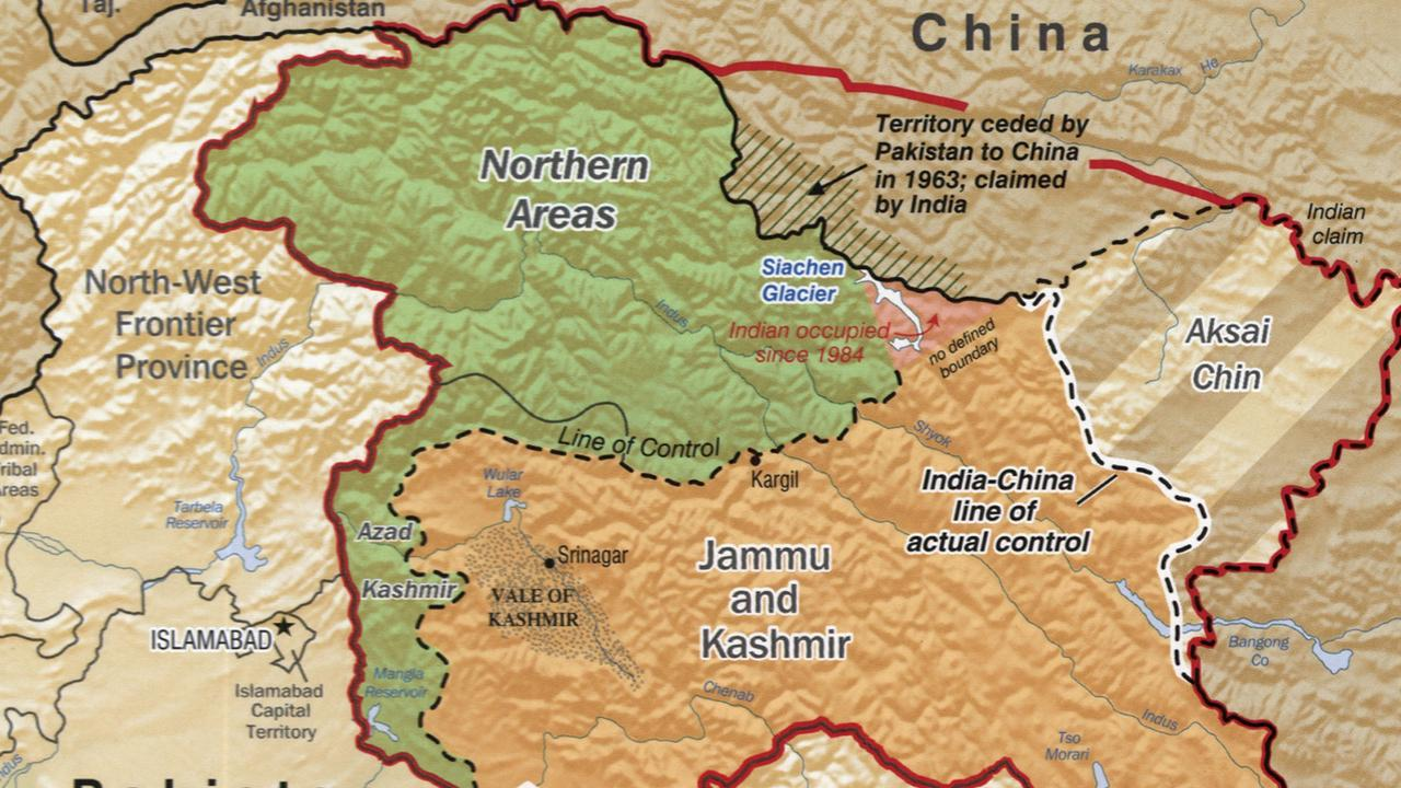 The Line of Actual Control (LAC) – the dotted line – divides Chinese and administered areas. India claims Chinese governed Aksai Chin, with the northern red line which is similar to the Johnson line where India says the border should be.