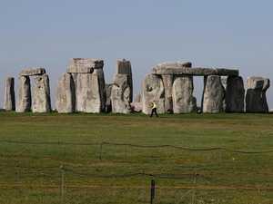 'Astonishing discovery' at Stonehenge