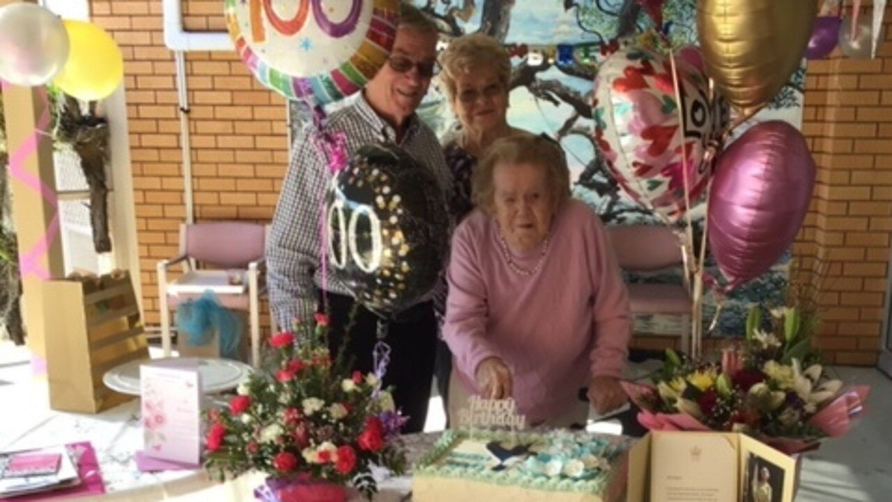 Gwen Kippen celebrates her 100th birthday with son Rob and daughter Roslyn.