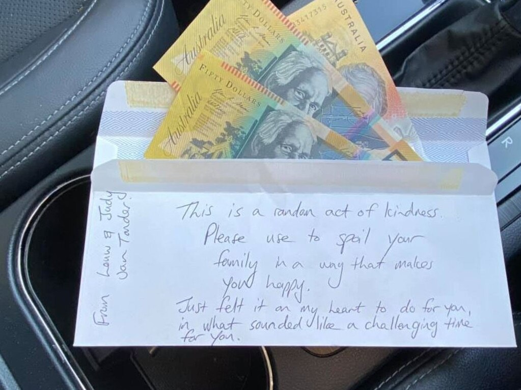 The note left in the car. Picture: Facebook/Jen Willis