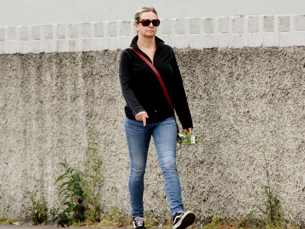 Lisa Marie Smith walking in Dublin. Picture: Splash News/Media-Mode