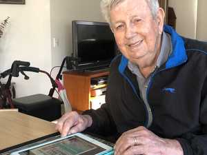 90-year-old embraces technology to get his news fix