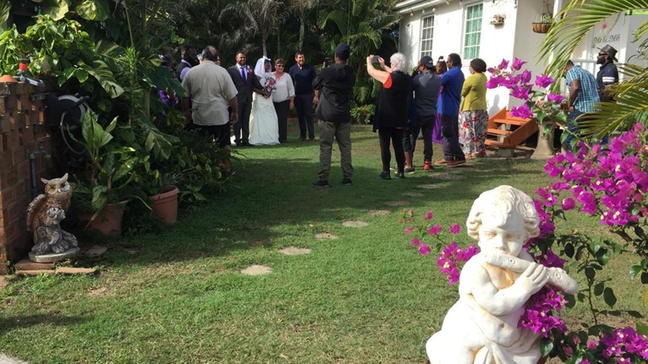 BACKYARD WEDDING: Vanuatu backpackers Abel and Stephanie George celebrated their wedding day in Bundaberg, with the help of the local community. Picture: Rhylea Millar.