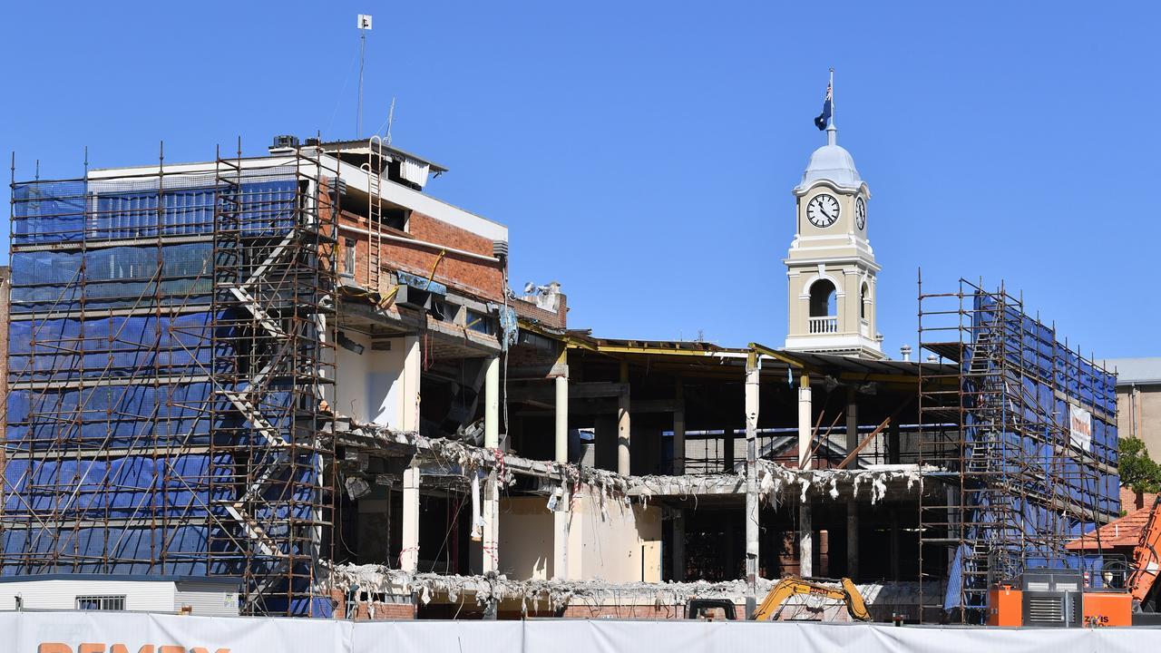 Demolition continues on the Fraser Coast Regional Council admin building in Maryborough.Photo: Alistair Brightman