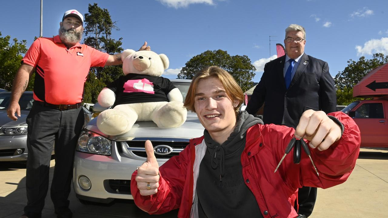 NEW OPPORTUNITIES: With the car donated by Cheap Cars Toowoomba are (from left) manager of Cheap Cars Toowoomba Les Hollist, car recipient Justin Waldie, and Lifeline Darling Downs CEO Derek Tuffield. Picture: Bev Lacey