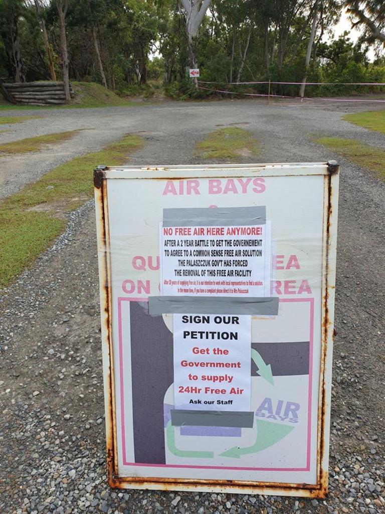 No free air sign at Rainbow Beach