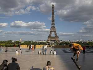 Europe eases travel rules for Aussies