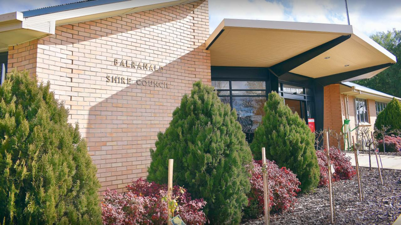 Mr Heke was doing contract work for an engineer in Balranald Shire (council chambers pictured) when Mr Kitzelmann made the allegedly racist remarks. Picture: Supplied