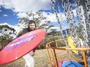PUTTS N PARS: Flying saucers spotted in Iluka
