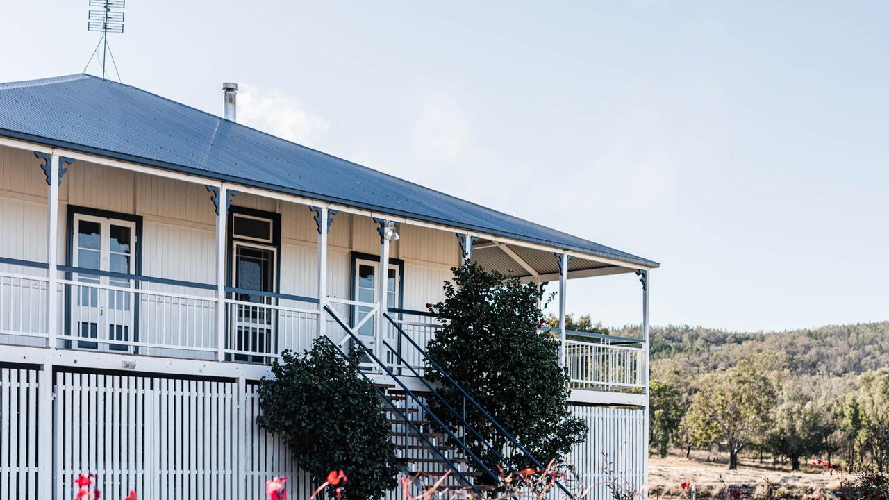 The property features an open veranda.