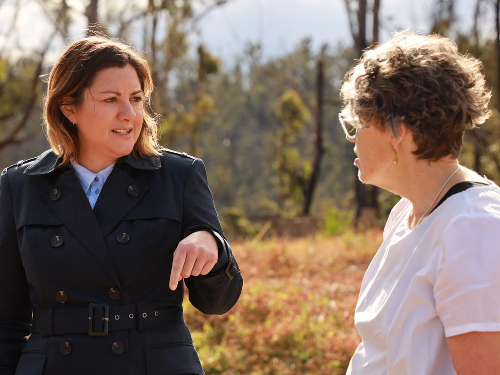 Kirsty McBain talks to bushfire victim Jan Harris in Tathra. Picture: Supplied