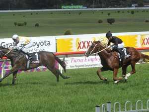 Grafton jockeys help Dunn to five straight in Murwillumbah