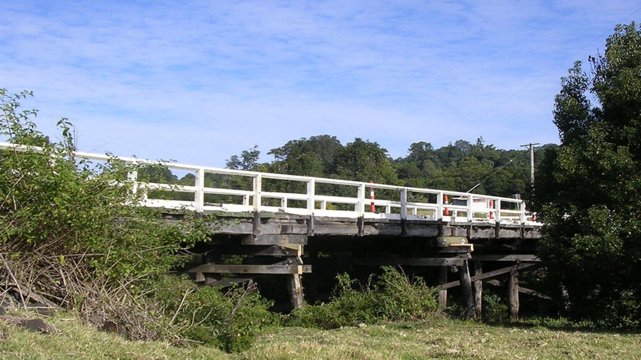 Ballina Shire Council and Lismore City Council will introduce a reduced load limit for Pearces Creek Bridge on Eltham Road, Pearces Creek.