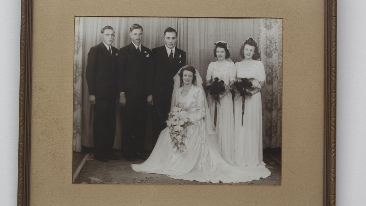 Trevor and Pearl Saal with their wedding party on June 24, 1950.