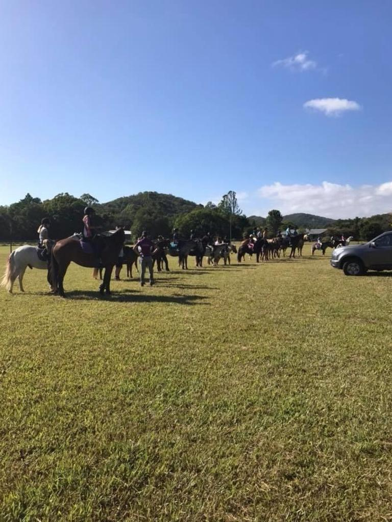 Members of the Yandina and Districts Pony Club.