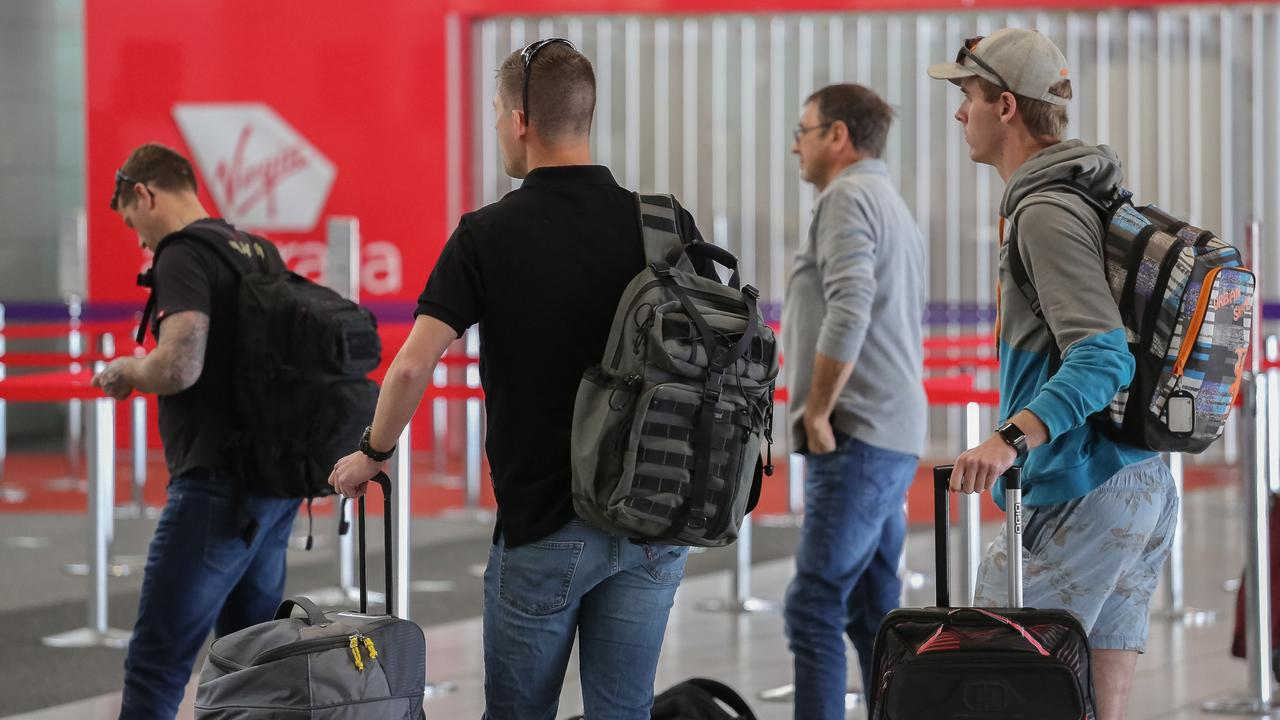 The race is on for Queenslanders to return from Victorian hot spots or face being forced into mandatory hotel quarantine. Picture: NCA NewsWire/David Kapernick