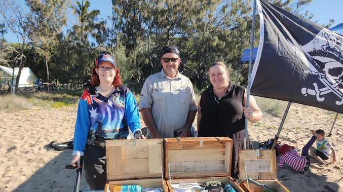 Pirate treasure hunt hits Tannum beach