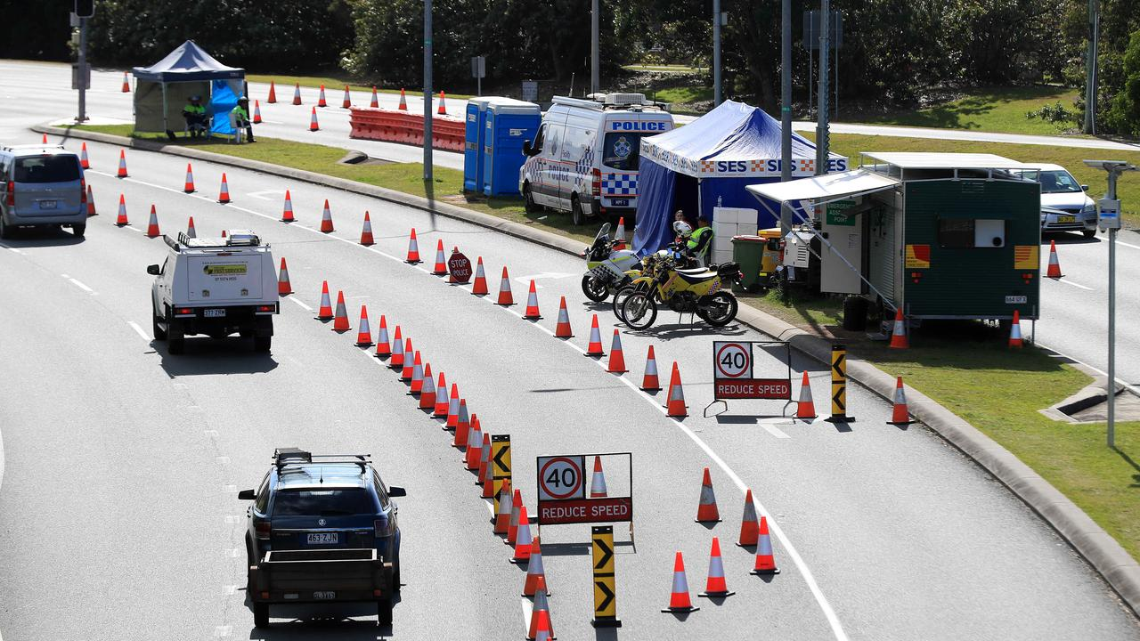 Steve Gollschewski says wrong passes behind border havoc as drivers try to enter Queensland from NSW.