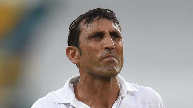 Cricket great held knife to coach's throat