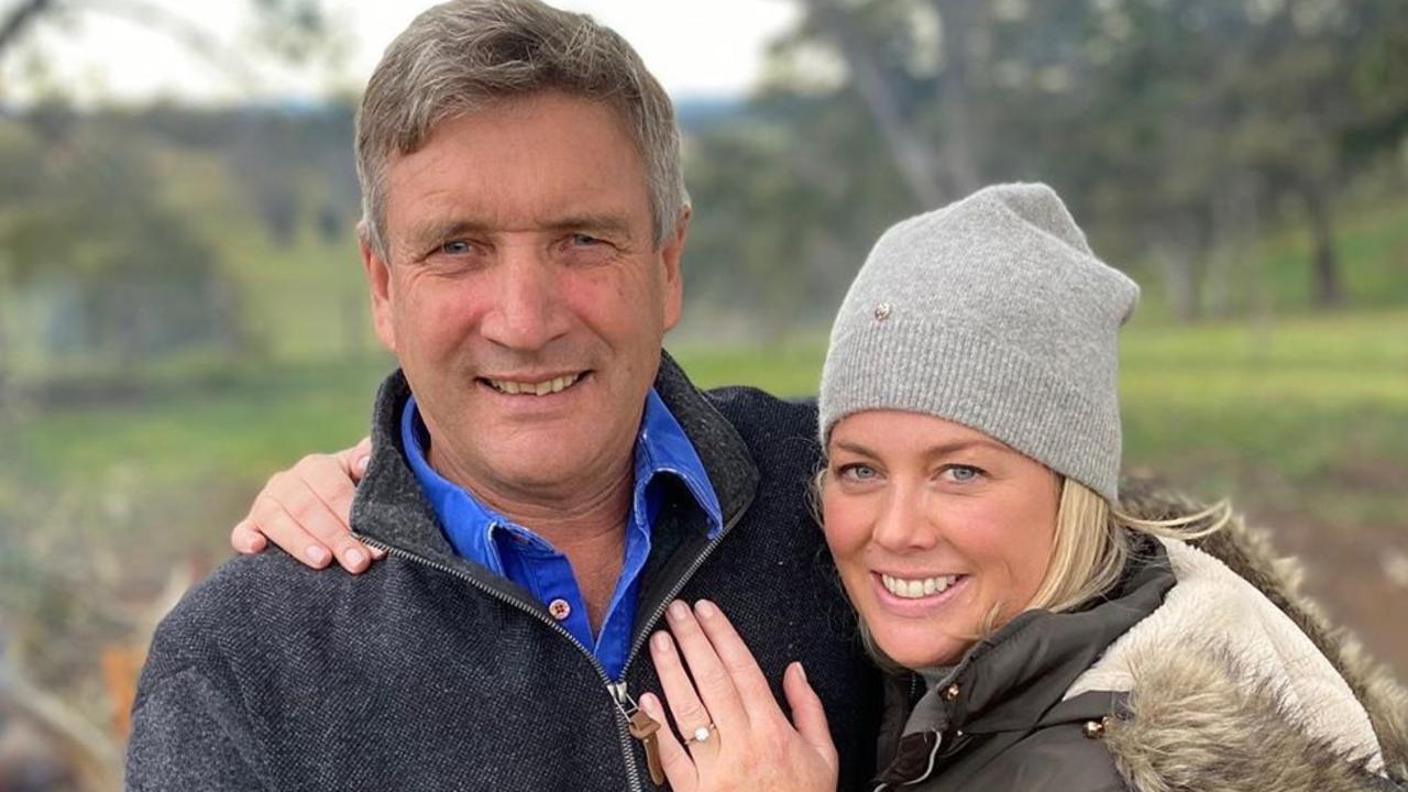 Sam Armytage announces engagement Sunrise host Samantha Armytage has said yes to marrying partner Richard Lavender.