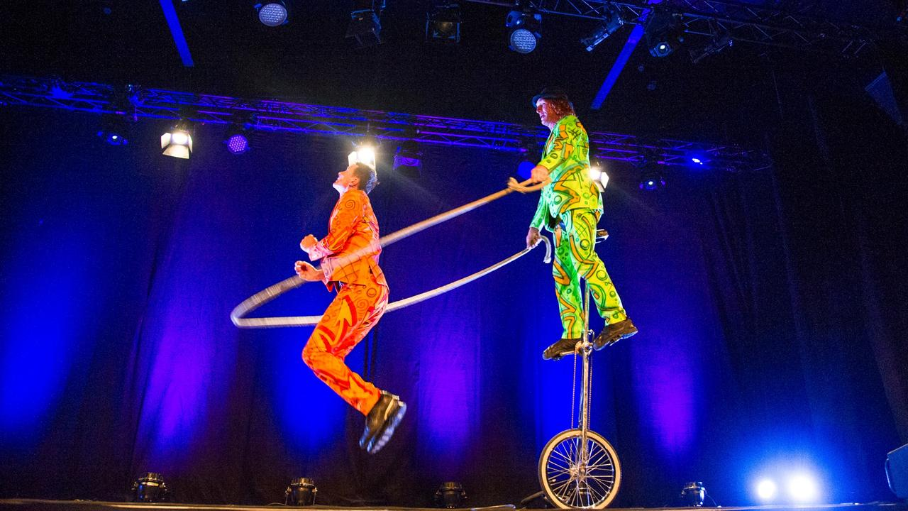 The Flying Dutchmen performing at The Coffs Harbour International Buskers and Comedy Festival.