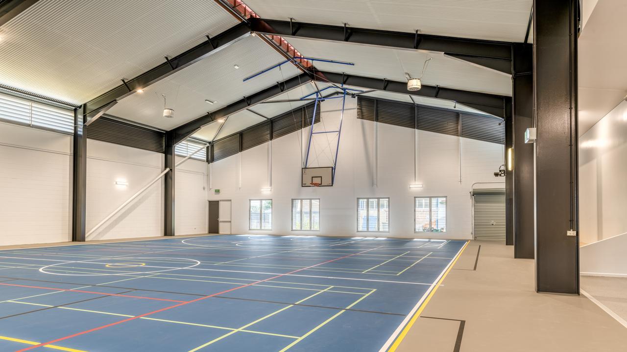 SPORT IS IN SESSION: Sneak peek inside brand new Bundy SHS sports hall.