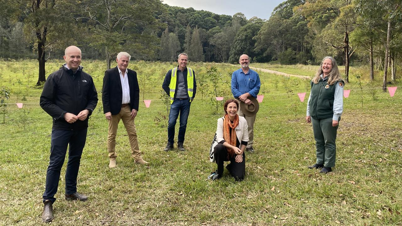 Minister Environment Matt Kean, State Member for Tweed Geoff Provest, Senior Program Leader Biodiversity TSC Scott Hetherington, deputy mayor Chris Cherry, Friends of Cudgen Nature Reserve Chris Core and Area Manager Tweed Byron, NSW National Parks and Wildlife Service Sue Walker.