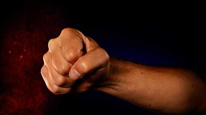 Coast father beats up 15yo to defend son