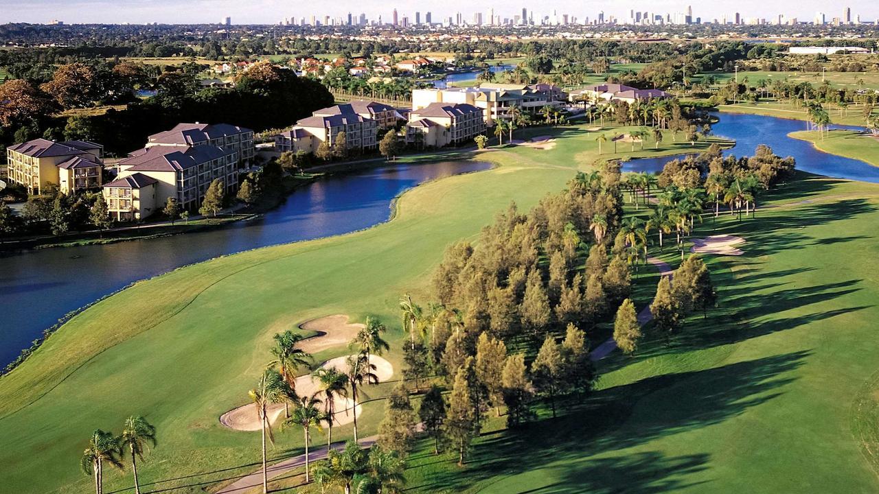 Lapangan golf terletak di resor. Gambar: Disediakan