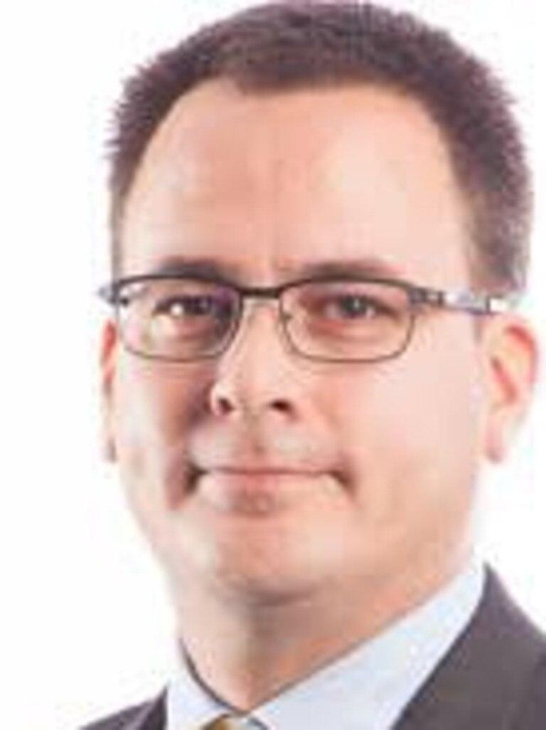 Paul Nogueira.