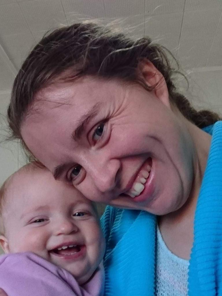Astrid Weier with mum Kacey.